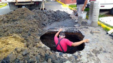 Descubren 2 socavones de por lo menos 5 metros de profundidad en Ixtapaluca