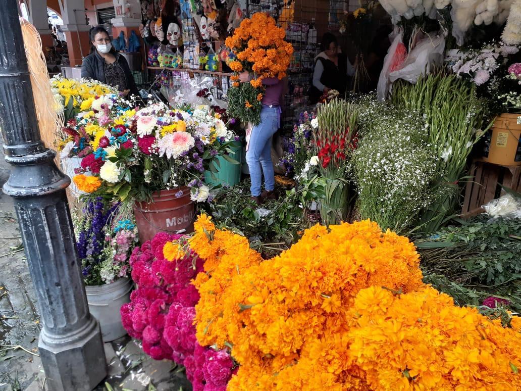 Vendedores de flores temen por las ventas