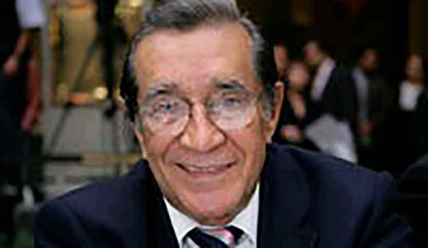 Víctor Flores Olea