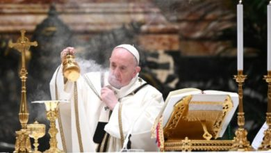El papa Francisco no dará la misa de Año Nuevo por un dolor de ciática
