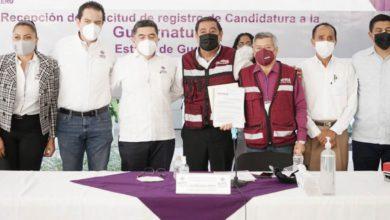 Félix Salgado se registra como candidato de Morena a la gubernatura de Guerrero