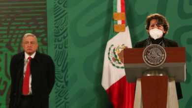 Delfina Gómez, nueva titular de la Secretaría de Educación Pública, durante la conferencia presidencial matutina en Palacio Nacional, en la Ciudad de México, el 15 de febrero de 2021. Foto Cuartoscuro