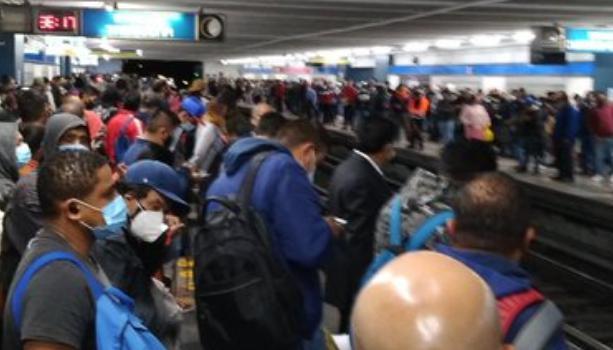 Línea 2 del Metro CDMX/Foto Twitter @OsoEnCuarentena