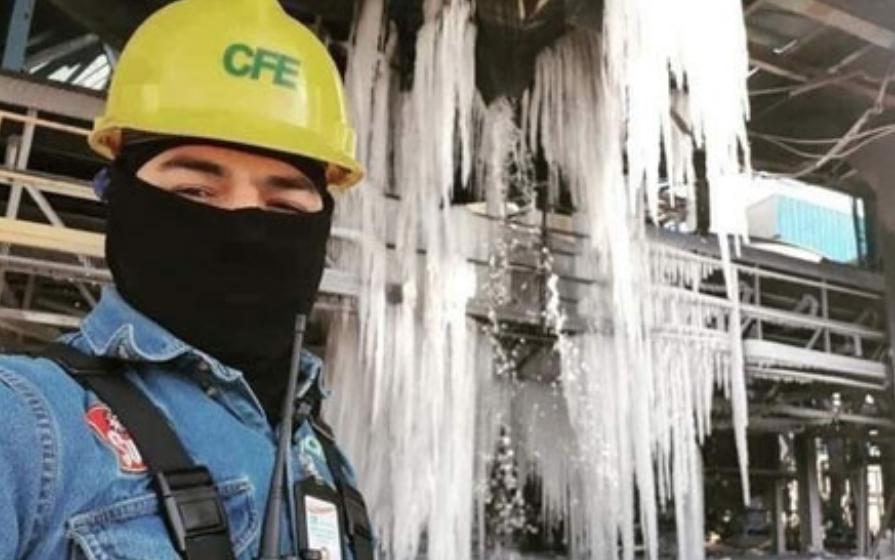 La tormenta invernal que se extiende en gran parte de Estados Unidos y el norte de México ha provocado desabasto de gas (en especial desde Texas por el congelamiento de ductos) a plantas de la CFE, como en la termoeléctrica de Nava, en Coahuila, el 16 de febrero de 2021. Foto cortesía CFE