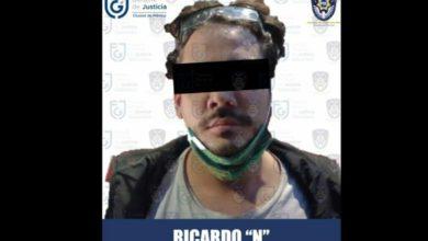 Agentes de la fiscalía capitalina detuvieron al youtuber Rix, acusado de abuso sexual, el 25 de febrero de 2021. Foto cortesía Fiscalía General de Justicia
