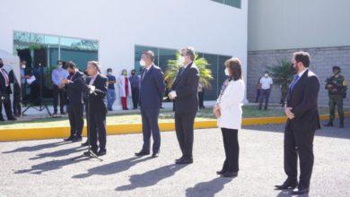 Banderazo de salida del primer lote de vacunas Cansino envasadas en México