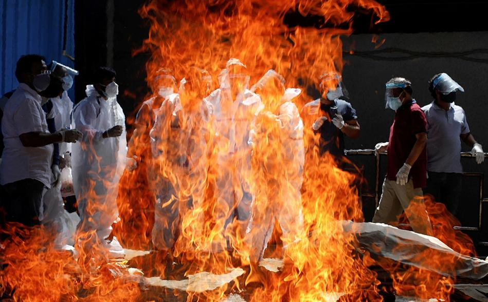India está cerca de los 20 millones de contagios de covid-19; hay escasez de oxígeno/Foto Reuters