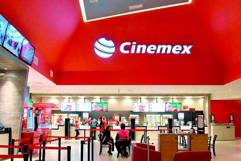 Reabre Cinemex