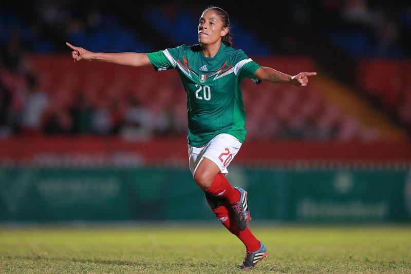Es originaria de Chalco y comparte cómo se enamoró del futbol