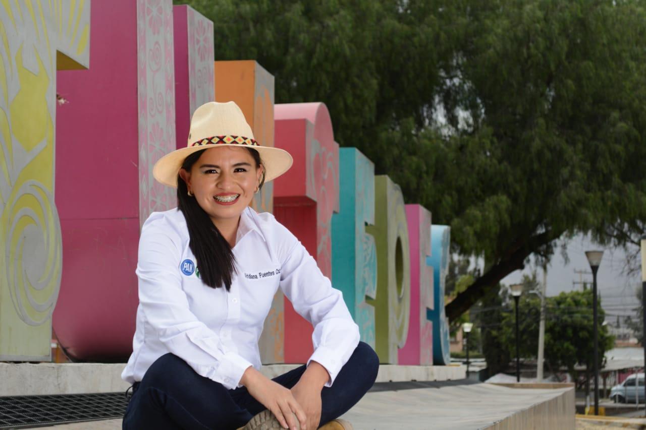 La candidata del PRD a la diputación local, Viridiana Fuentes