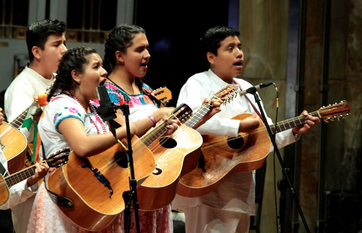 Cantantes de música tradicional mexicana