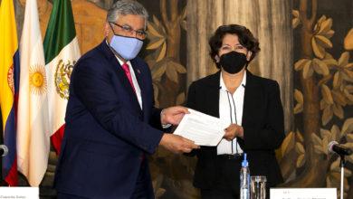 La reunión estuvo encabezada por la secretaria de Educación, Delfina Gómez Álvarez, y el secretario general del SNTE, Alfonso Cepeda Salas