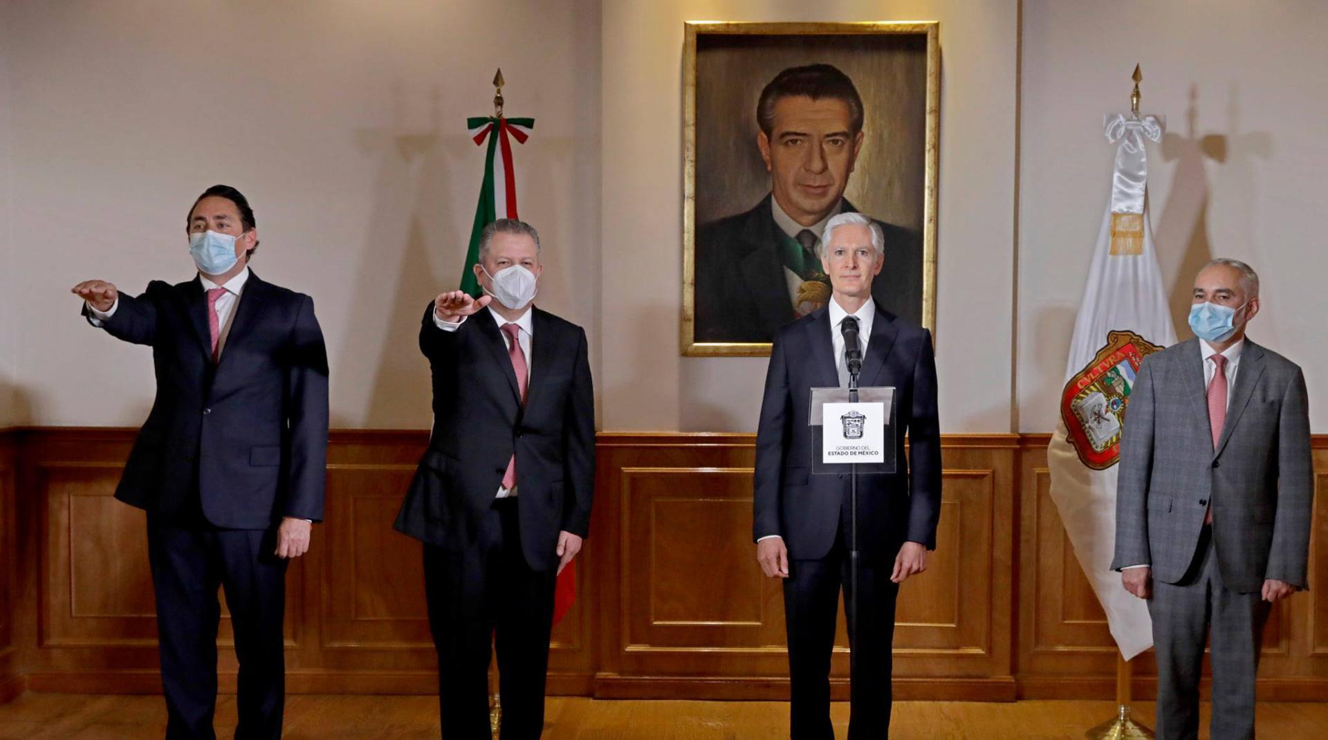 Francisco Fernández Clamont quedará como secretario de Salud, quien toma el lugar de Gabriel O´Shea y a Pablo Peralta como titular de la Secretaría de Desarrollo Económico