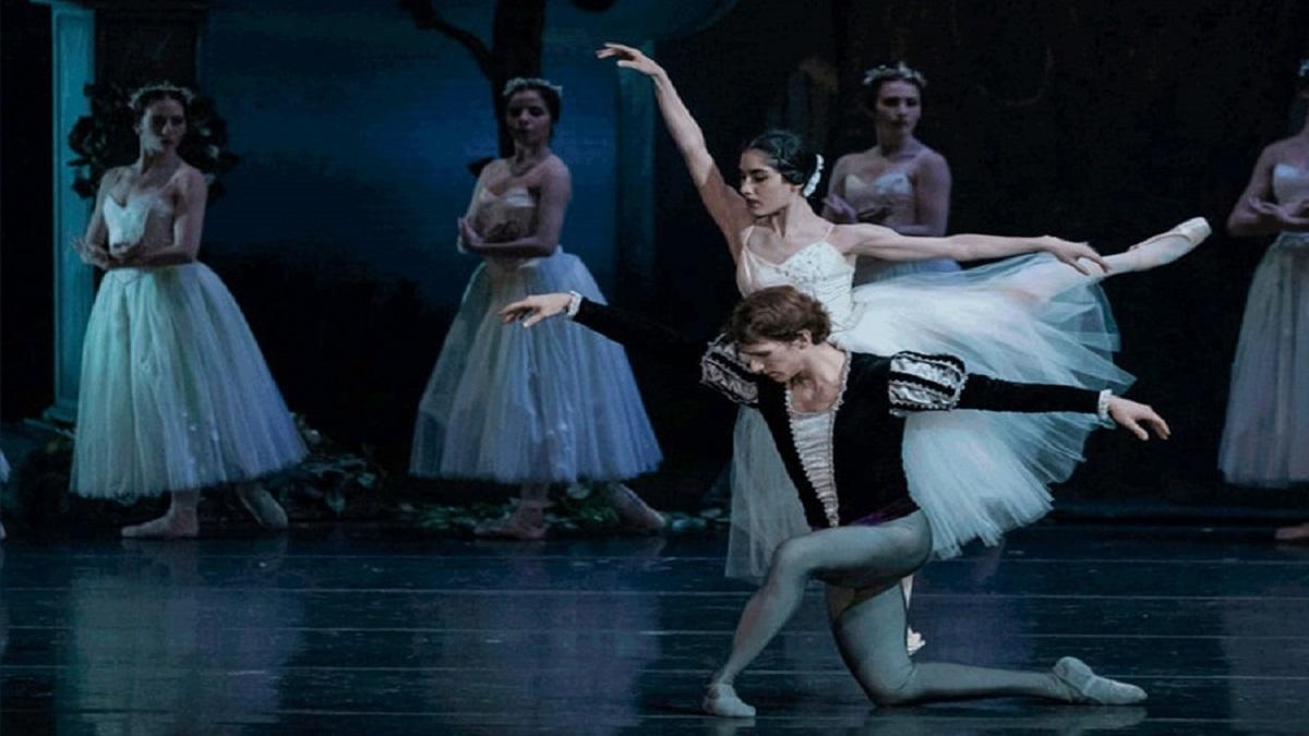 Bailarines de la Compañía Nacional de Danza