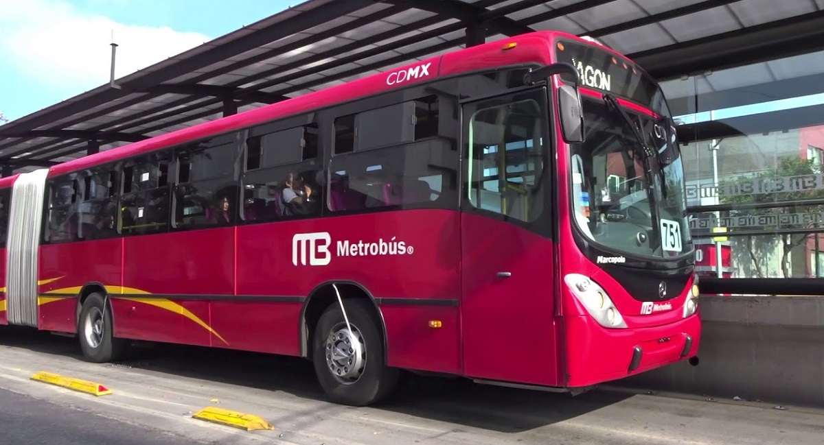 Vehículo de la línea Metrobús