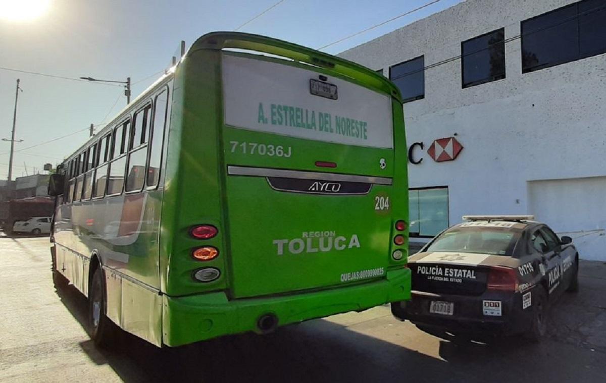 Camión del transporte público