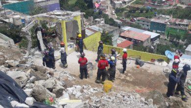 Personal de Protección Civil laborando