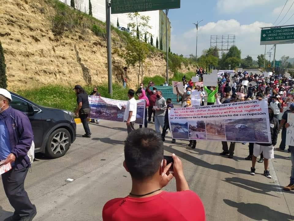 Manifestación por gasolinera en Lomas Verdes