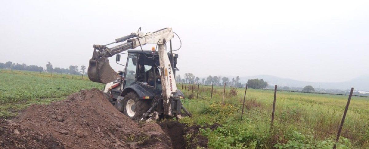 Maquinaria excavando