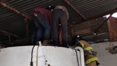 rescatan a trabajador en Texcoco